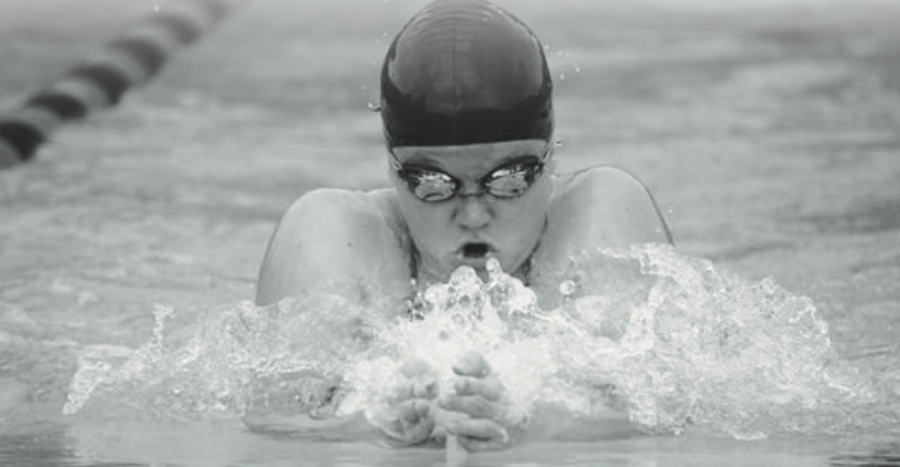 Freshman swimmer qualifies for french national team